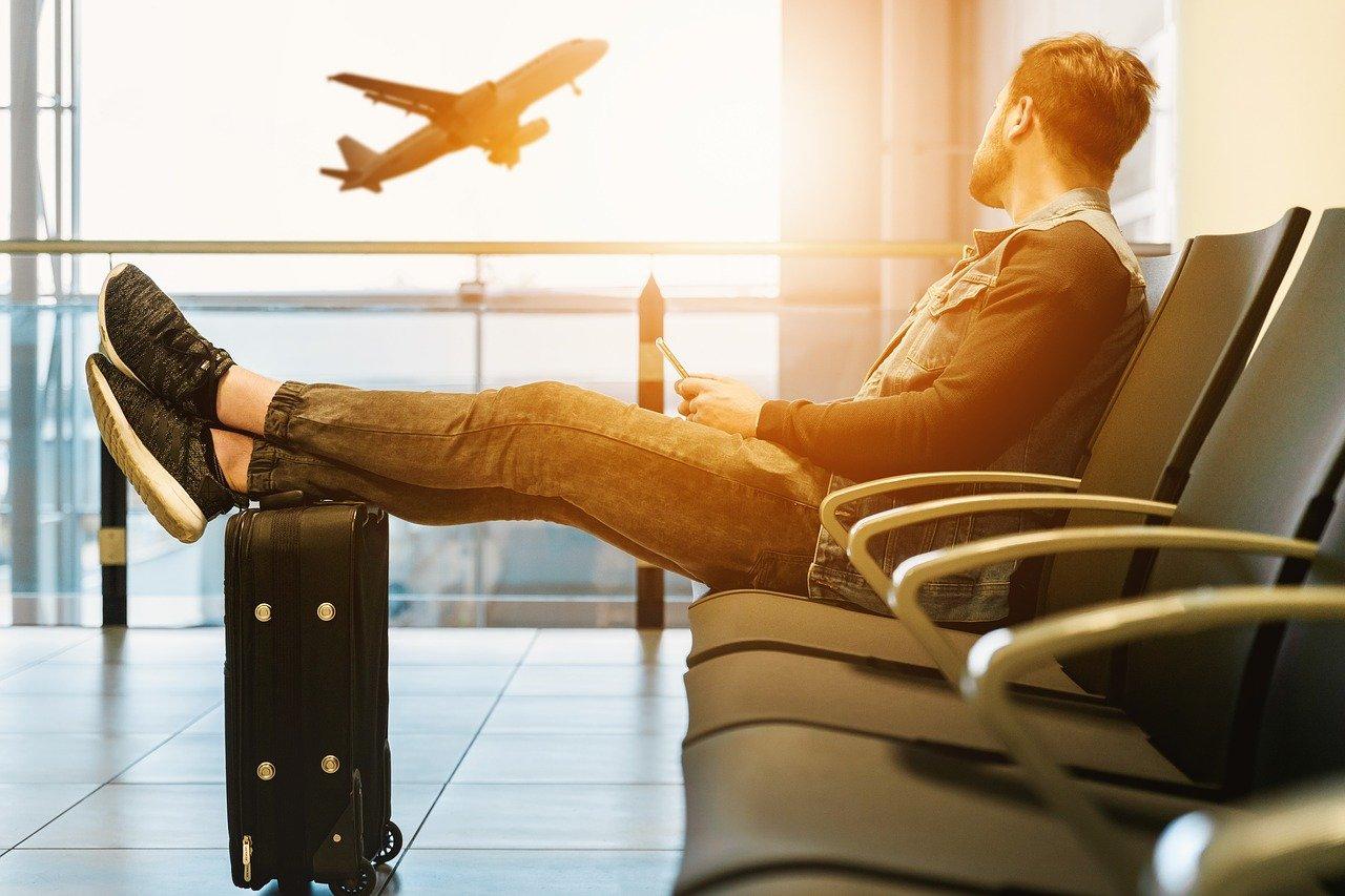 airport-airplane-bologna